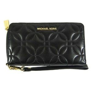 Michael Kors D27326 Quilted Black Leather Wristlet